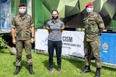 Lieutenant General Weigt, Sergeant Langenhorst and Lieutenant Colonel Dr. Dobmeier standing side by side, all with masks on, but optimistic about the future